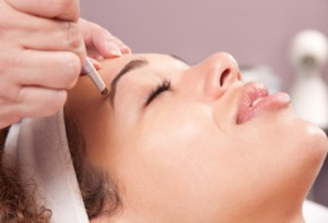 Five tips to promote brow re-growth