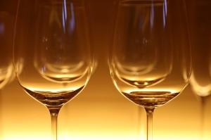 Doctors say alcohol needs calorie content on labels