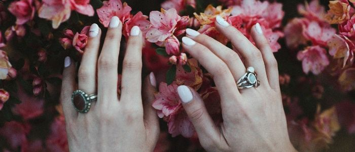 Hypnotherapy for nail biting