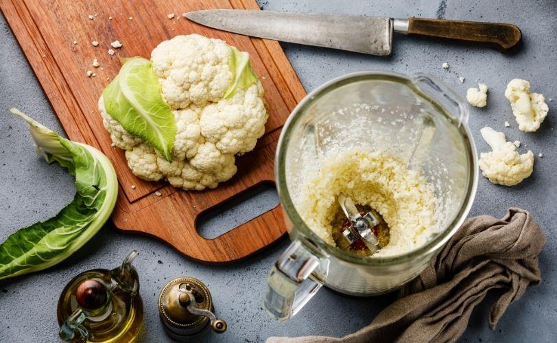 Cauliflower rice in blender