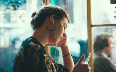7 Well-being podcasts to learn more about alternative and complementary therapies