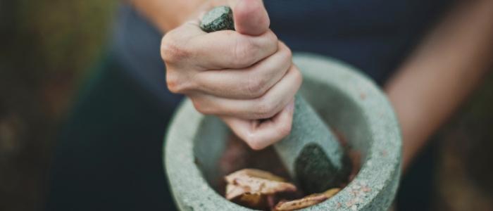 Heralist mixing herbs