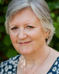 Linda M Newbold