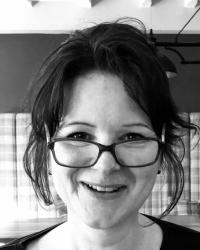 Amba Newbury Relationship Therapist & Life Change Coach