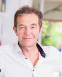 Ian Michie Counsellor/Psychotherapist MBACP  (ACCRED)