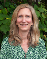 Ruth Hoskins, MA, UKCP Integrative Body Psychotherapist