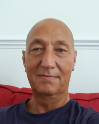 Dougie Robertson MBACP (Accred) UKRCP Registered Independent Counsellor