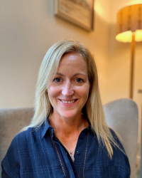 Kate Neligan - Online Counsellor MA, Adv. Dip., MBACP, MA (Hons),