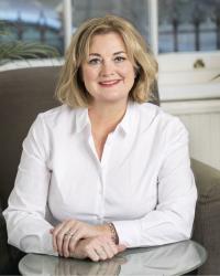 Mandy Nichols: Online & Telephone Psychotherapist/couples