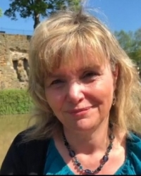 Gillian Verdugo  MA, BSc (Hons) Psychotherapist  UKCP, FPC in Kent & via Skype