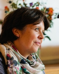 Marie Howard, Counsellor (MBACP) & Psychotherapist (UKCP) with NHS Experience