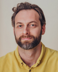 Ali Ross, MProf, UKCP (reg), MBACP