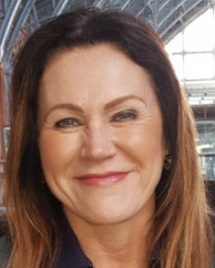 Lisa Wakefield MBACP (Accred) Counsellor/Psychotherapist and Clinical Supervisor
