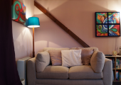 A comfortable and creative therapy room