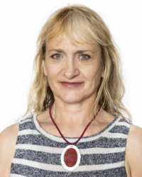 Morven Fyfe, M.A.(MBACP) working with Childhood Trauma And Relationship Issues