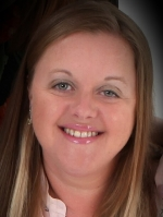 Lisa Harris MBACP NCS Accred therapist, clinical supervisor & trainer