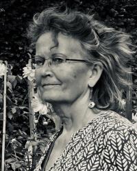 Edwina Clark MBACP (Snr Accred) UKRCP