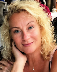 Jo Oxley - Psychotherapist/Counsellor/Couples Therapy + Supervision