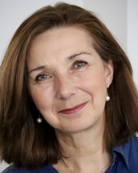 Philippa Robinson  MA (Hons) MBACP counsellor for individuals and couples