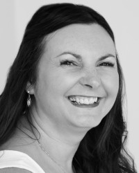 Kate Blakemore MBACP -now offering online and walking therapy. Womens Specialist