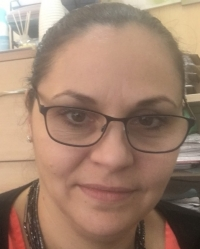 Daniela Pahontu - qualified Counsellor and Supervisor in training