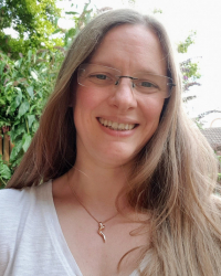 Fe Robinson - Psychotherapist, EMDR Therapist & Couples Counsellor