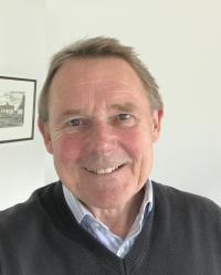Ian Burton BSc(Hons)(Psych) FRGS MBPsS MBACP