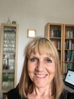 Counsellor and Psychotherapist, Lynda Woodroffe NW6