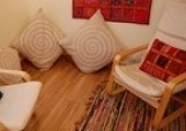 Comfortable and discreet therapy space