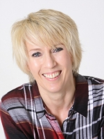 Elizabeth Scott B A (Hons) Counselling Registered MBACP Counsellor & Supervisor