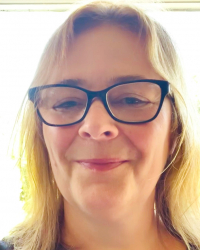 Lorraine Phillips MBACP (Accredited) Counsellor/Psychotherapist & Supervisor