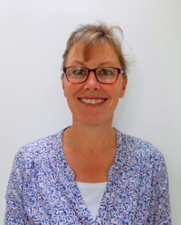 Claire Tabor Counsellor/Psychotherapist to Children, Young People and Adults