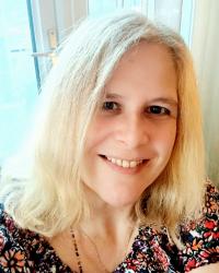 Shelley Lamprell-Josephs PGDip, BA, Integrative Psychotherapist & Supervisor