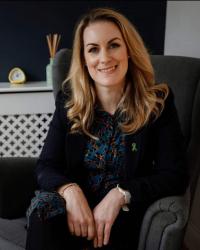 Dr Holly Thompson
