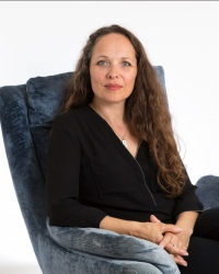 Pippa Fairhead Psychotherapeutic Counsellor MBACP (accred)