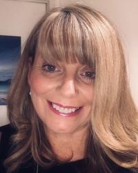 Roslin Macdonald, MBACP, PMCOSCA, Dip & Clinical Supervisor