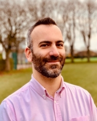 Vasili Magnis, Psychotherapist, DCPsych (Accredited by BACP and BABCP)