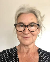 Angela Roya Pourmohamedian - Creative Arts Therapist (Drama)