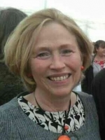 Lesley Reid, Registered and Accredited MBACP