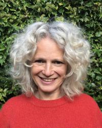 Joanna Farmer: Dip. Couns, Higher Dip Psychotherapeutic Couns.