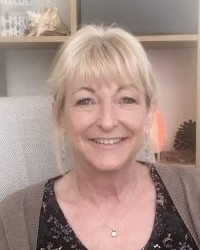 Bev Hale MBACP registered Counsellor, Supervisor and Trainer