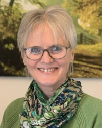 Cathie Farthing: B.Sc., PG Dip in Psychotherapy and Counselling, MBACP (Accred)