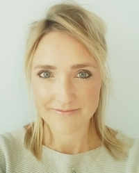 Sara Dowsett - Qualified Counsellor & Psychologist in training