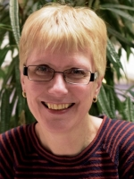 Teresa Bee, BA (Hons) Counselling, MA Trauma Studies, BA (Hons) Ed, MBACP
