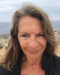 Lisa Peett - UKCP MBACP (Accred.) - Integrative Relational Psychotherapist