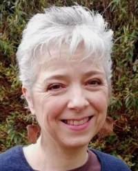Mo Ostler Counsellor, Psychotherapist, Play and Creative Arts Therapist