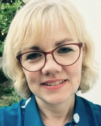 Hannah L Cruttenden, UKCP and BACP Registered Psychotherapist; DPhil, MBPsS