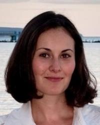 Chloe Chapman, Art Psychotherapist and EMDR therapist (HCPC and BAAT registered)