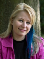Claire Bloxsom Cert. Couns, PGClin.Dip, Ph.D, MBACP(Reg)