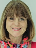 Vallie Beagle MA / Dip.Counselling/  IFS/ & Accredited EMDR Therapist
